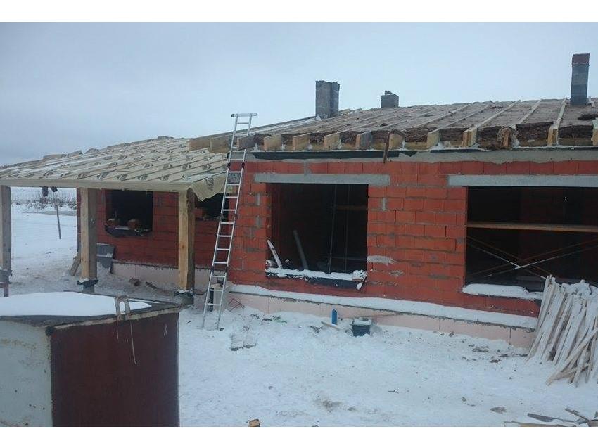Surinkta medinė stogo konstrukcija
